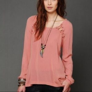 FREE PEOPLE PINK LACE UP HIGH LOW LONG SLEEVE